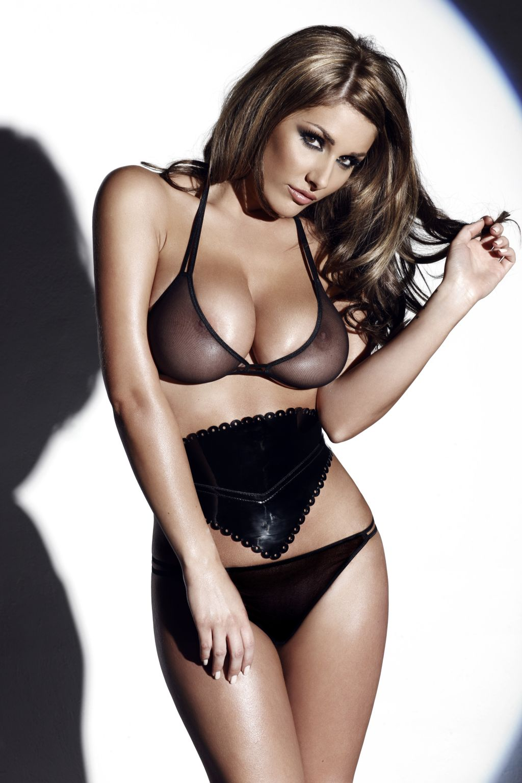 lucy-pinder-feb-2010-20