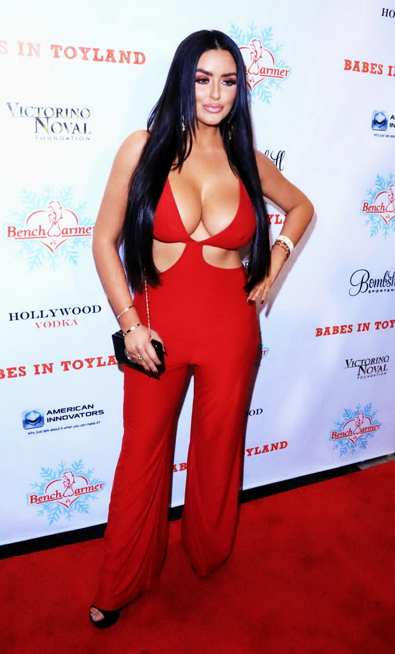 abigail-ratchford-innocent-outfit-11