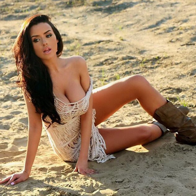 abigail-ratchford-innocent-outfit-14