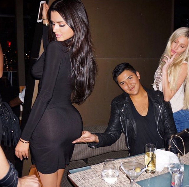 abigail-ratchford-with-friends-10