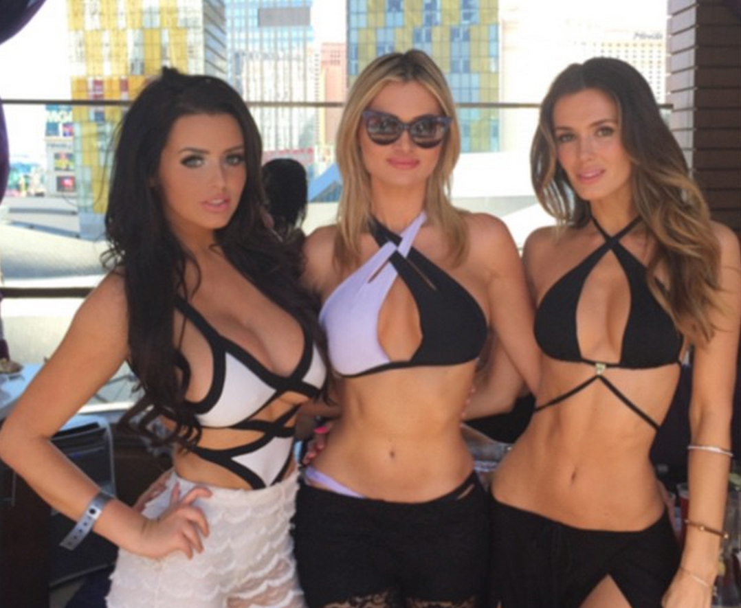 abigail-ratchford-with-friends-3