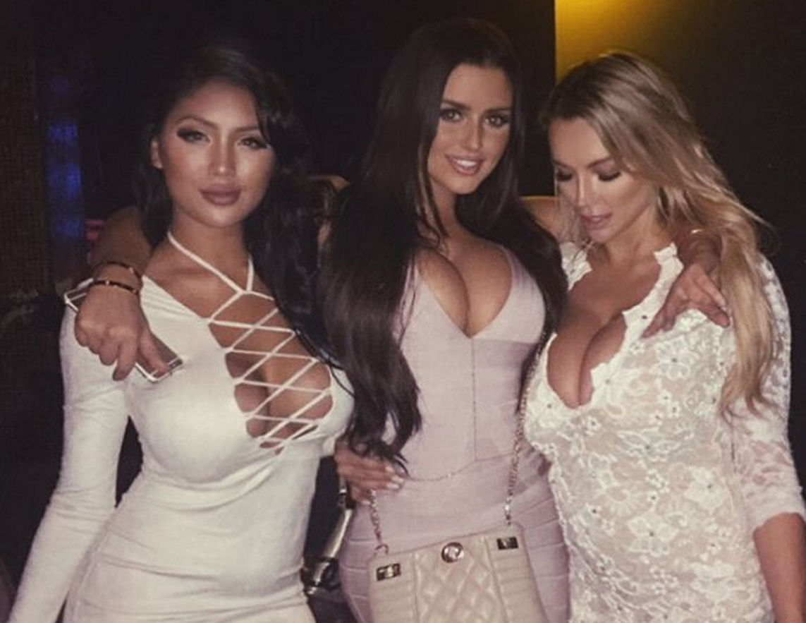 abigail-ratchford-with-friends-7