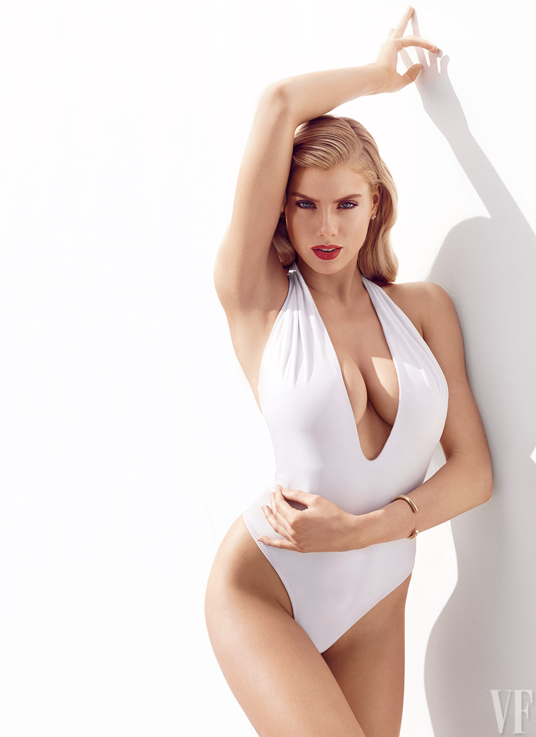 charlotte-mckinney-bikini-pics-are-so-hot-3