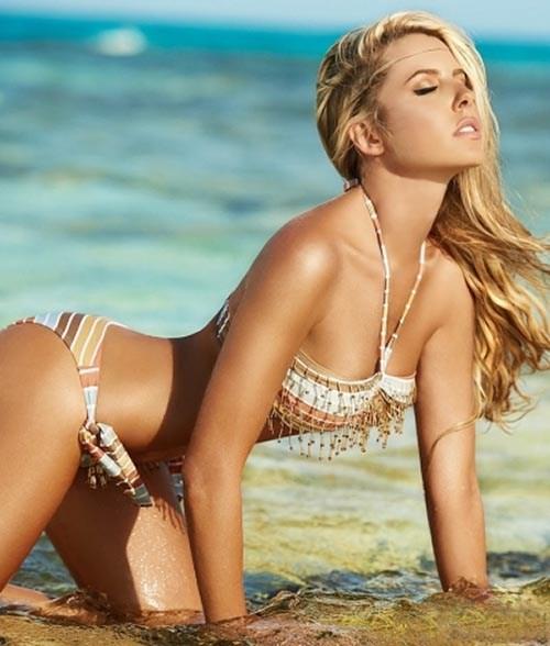 lina-posada-bikini-pics-are-so-hot-1