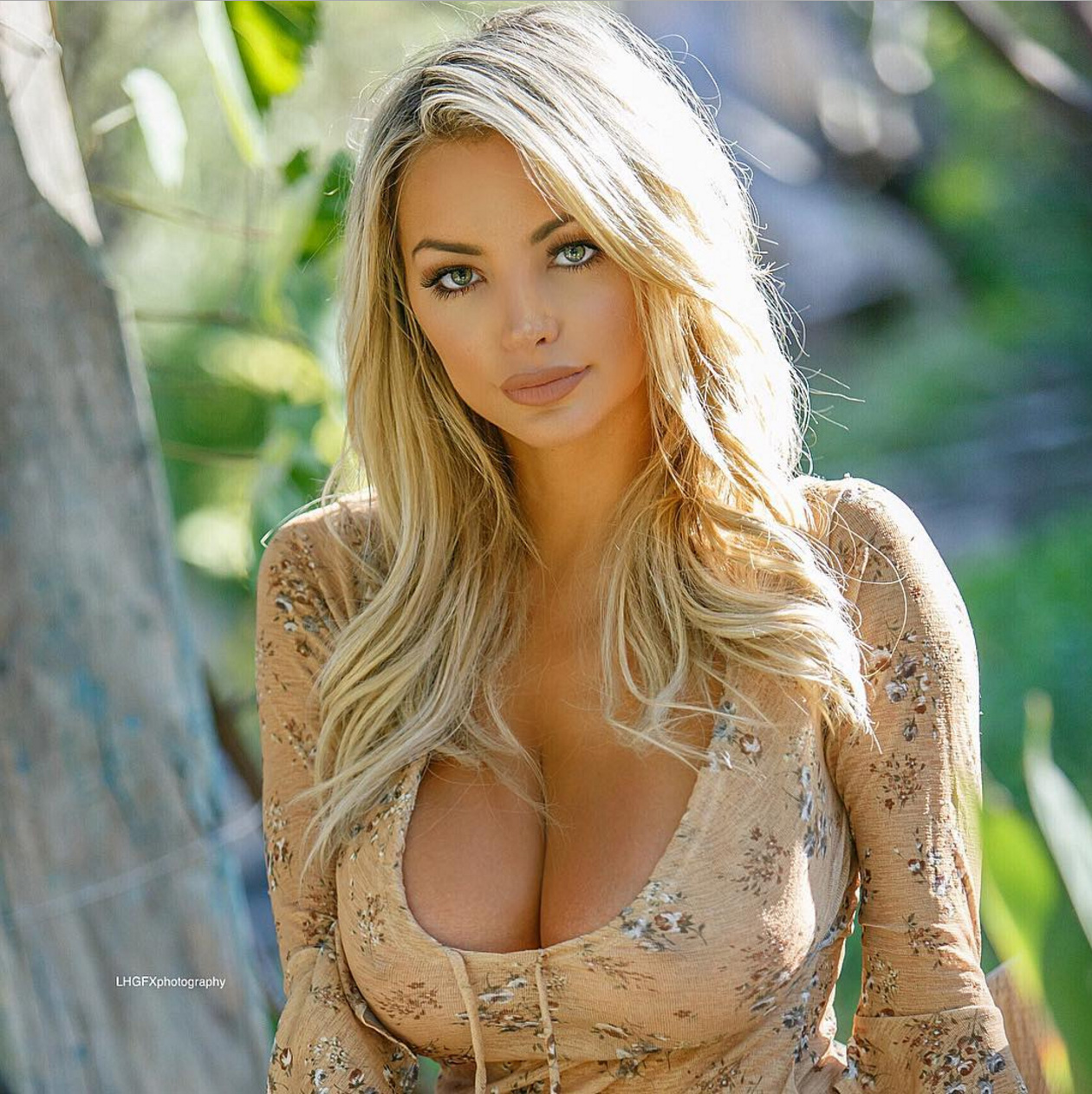 lindsey-pelas-innocent-outfit-3