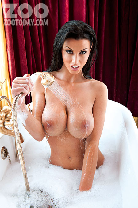 alice-goodwin-topless-naked-bath-shoot-pictures-gallery-video-photos-zoo-magazine-hot-03
