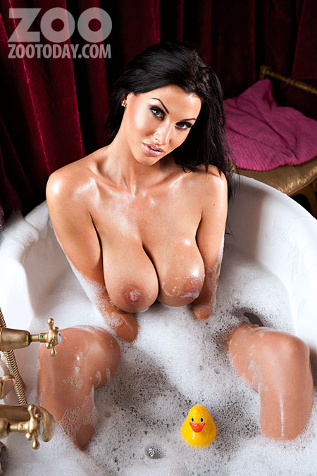 Alice Goodwin Naked Bath Time