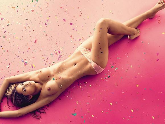 diana-mesa-topless-party-01-580x435