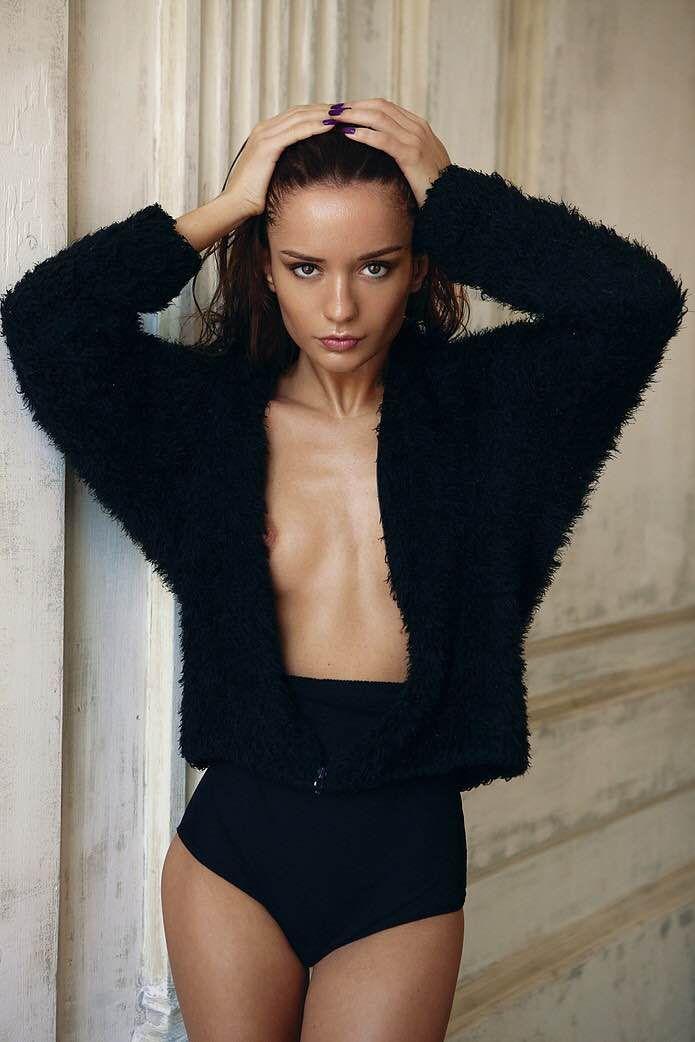 ekaterina-zueva-nude-sexy-1