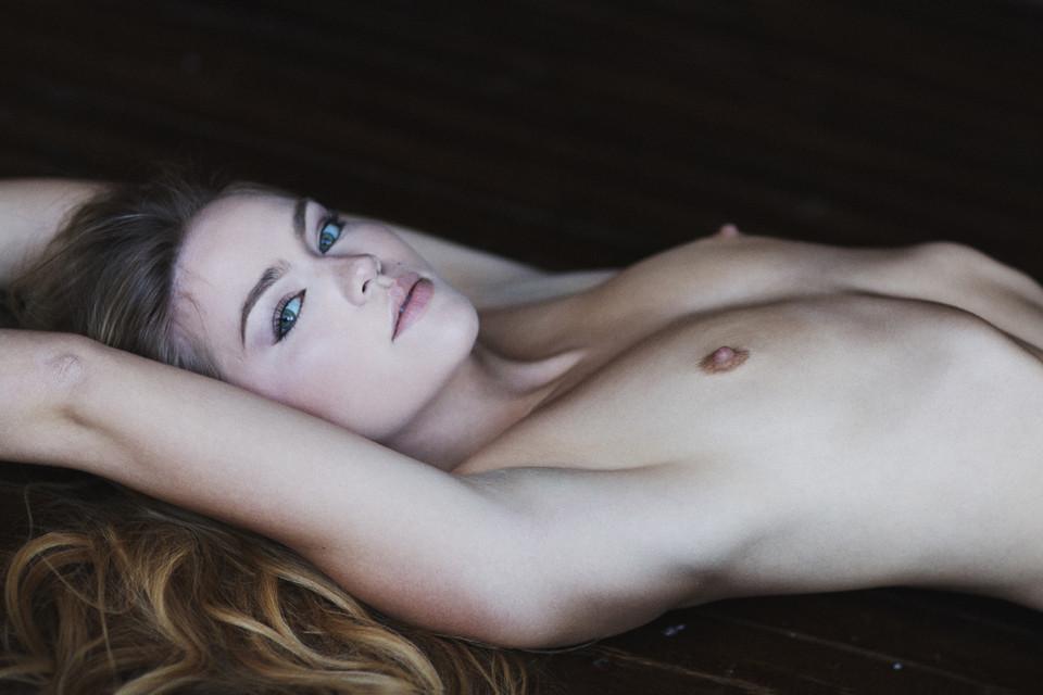 emma-king-nude-4