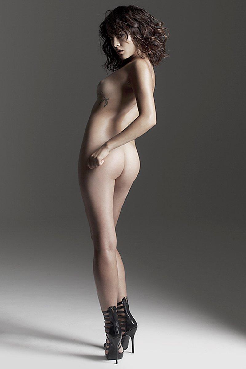 erika-moreno-naked-04