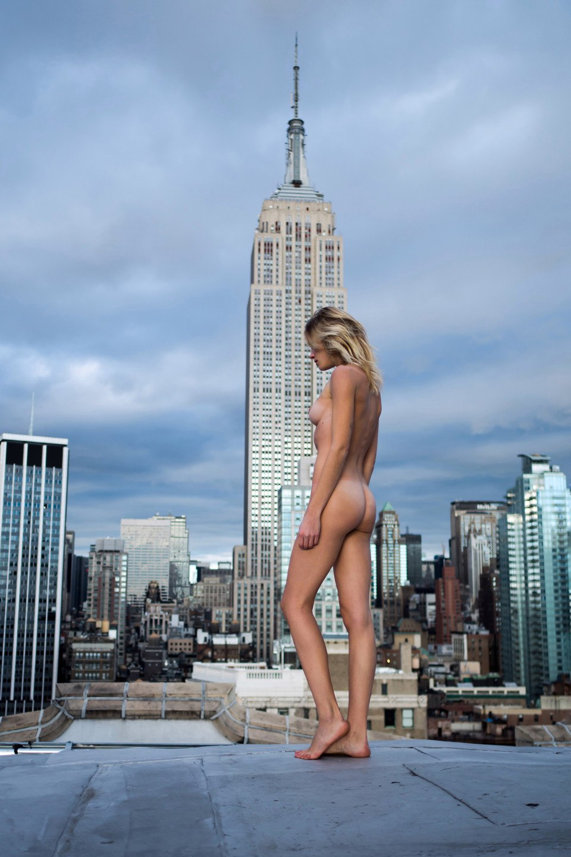 eva-biechy-naked-3