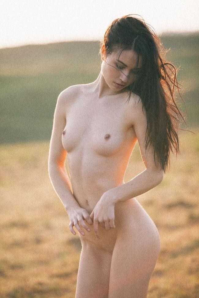 kera-lester-nude-nude-1