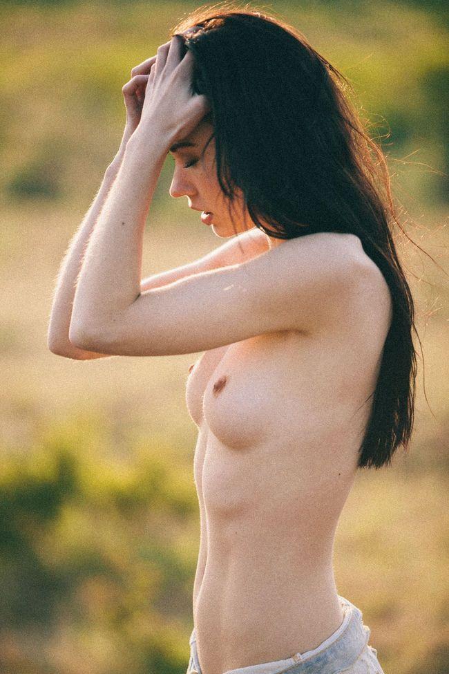 kera-lester-nude-nude-2