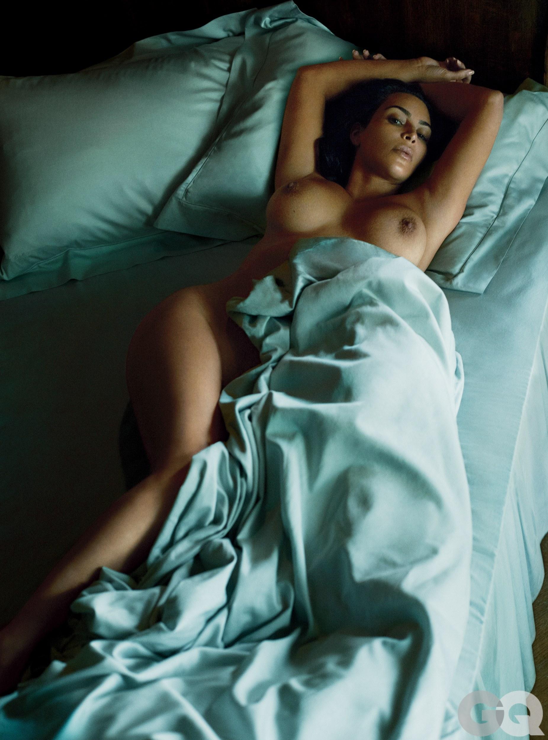 kim-kardashian-sexy-4