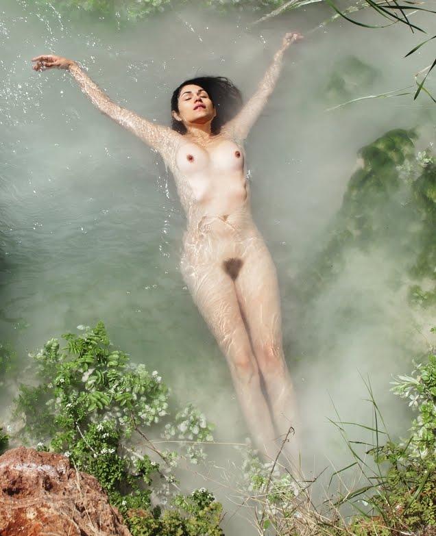 lela-loren-naked-1