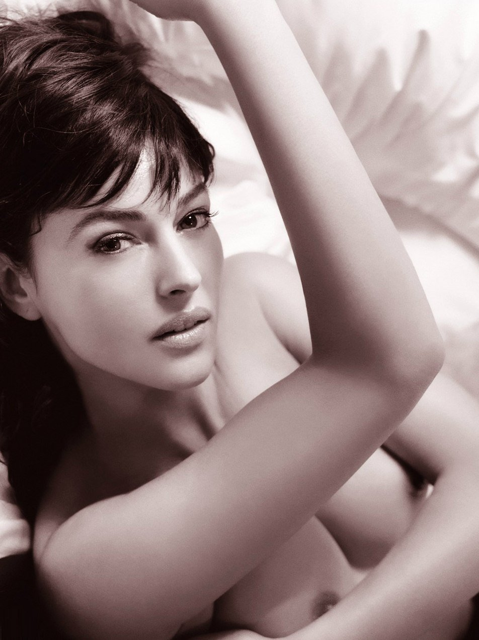 monica-bellucci-naked-04