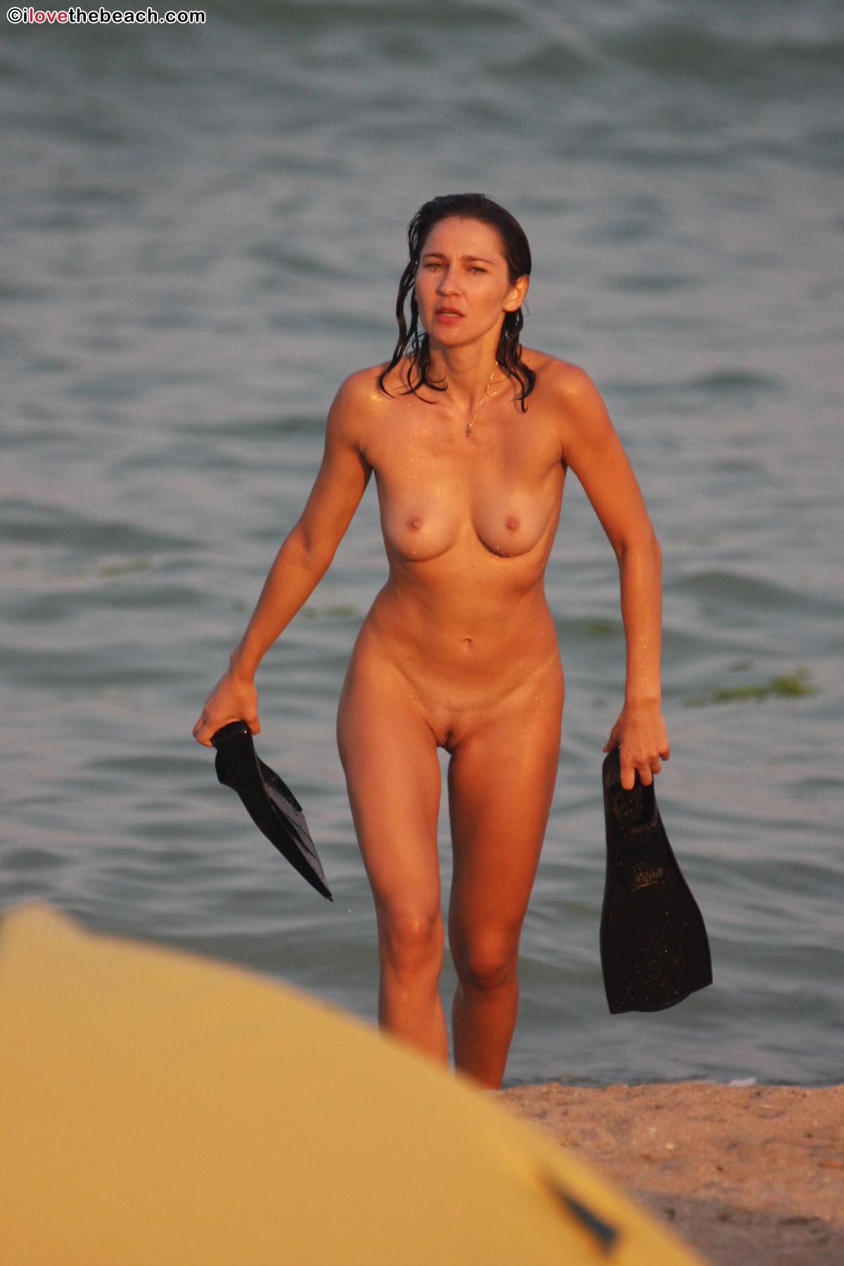 beach-nude-10