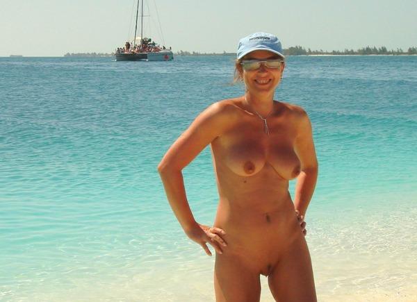 beach-nude-102