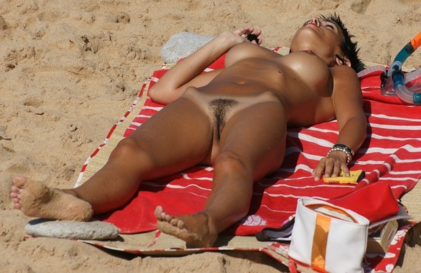 beach-nude-105