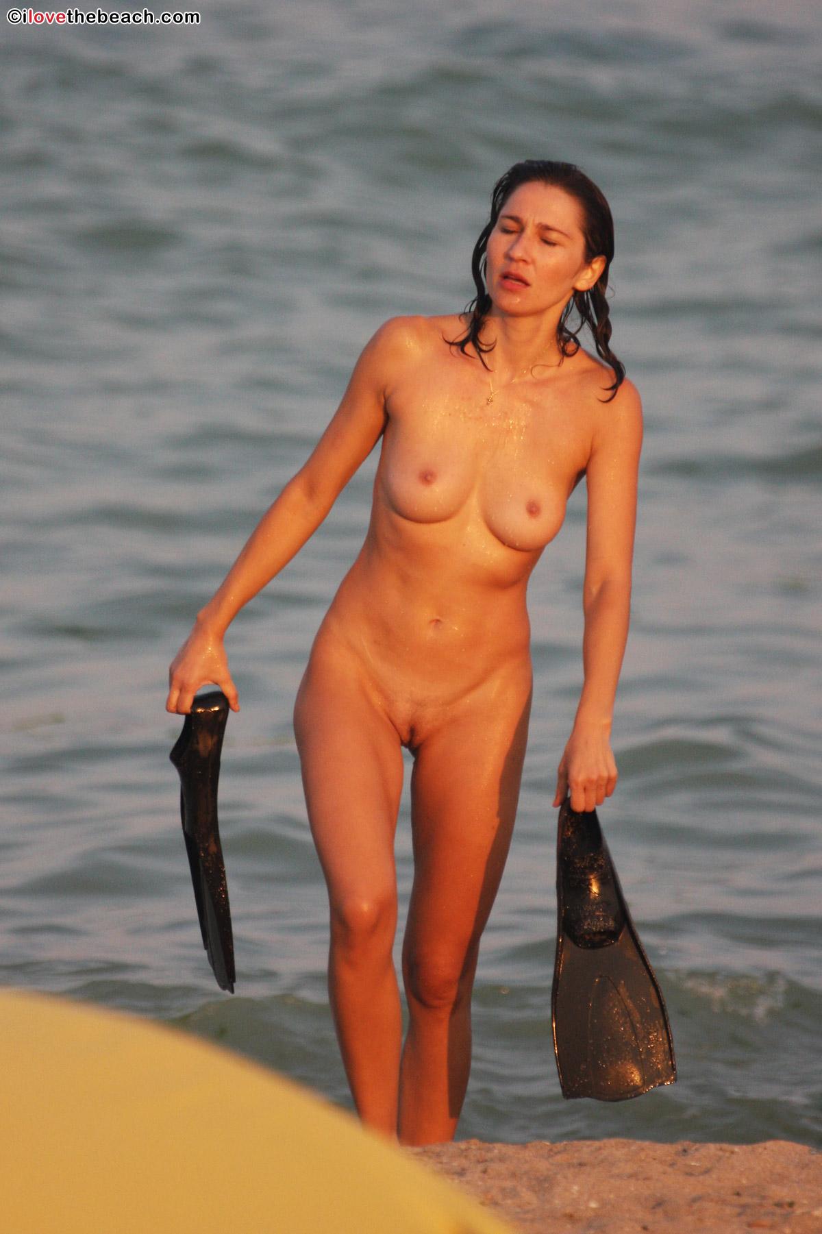beach-nude-11