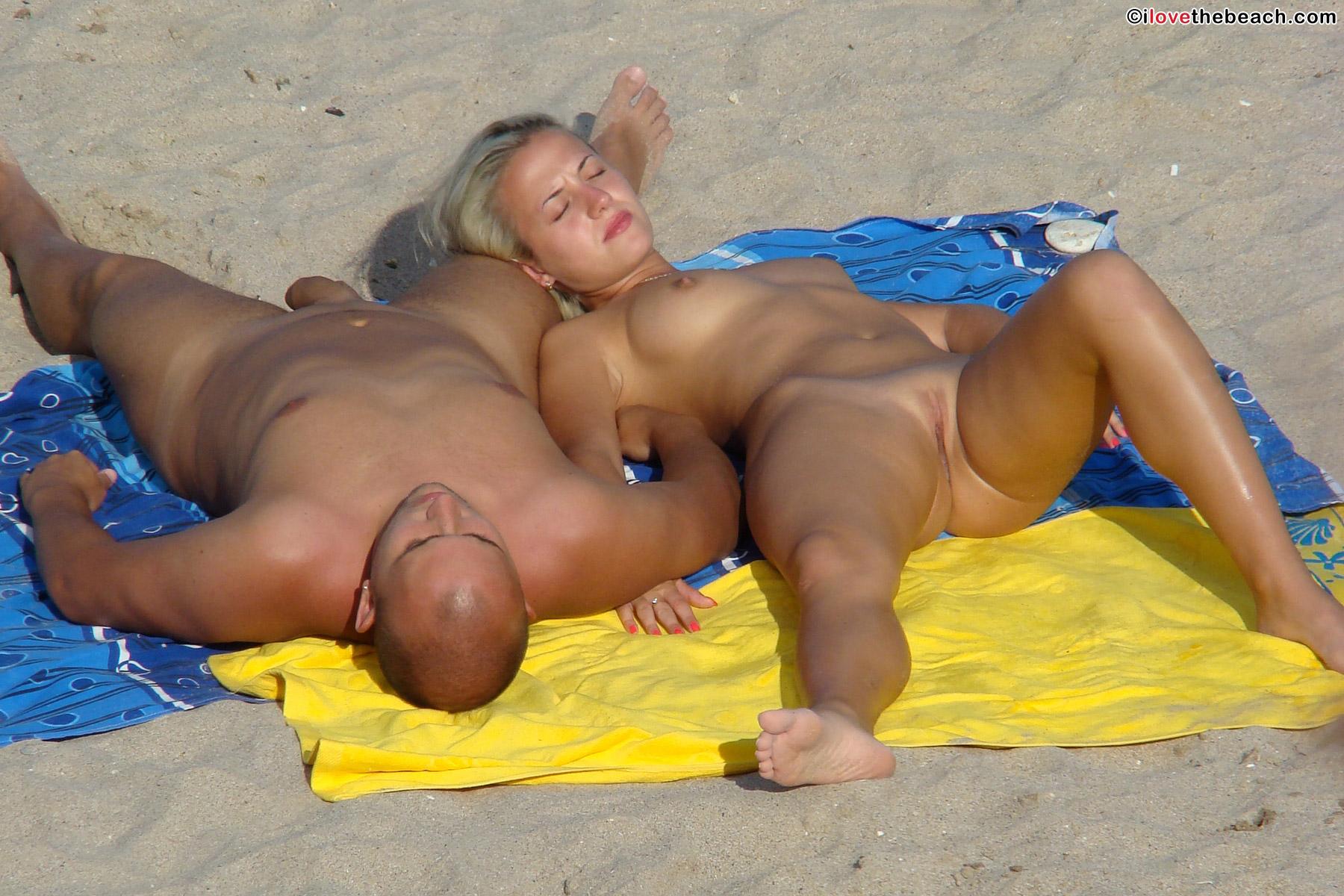 beach-nude-14