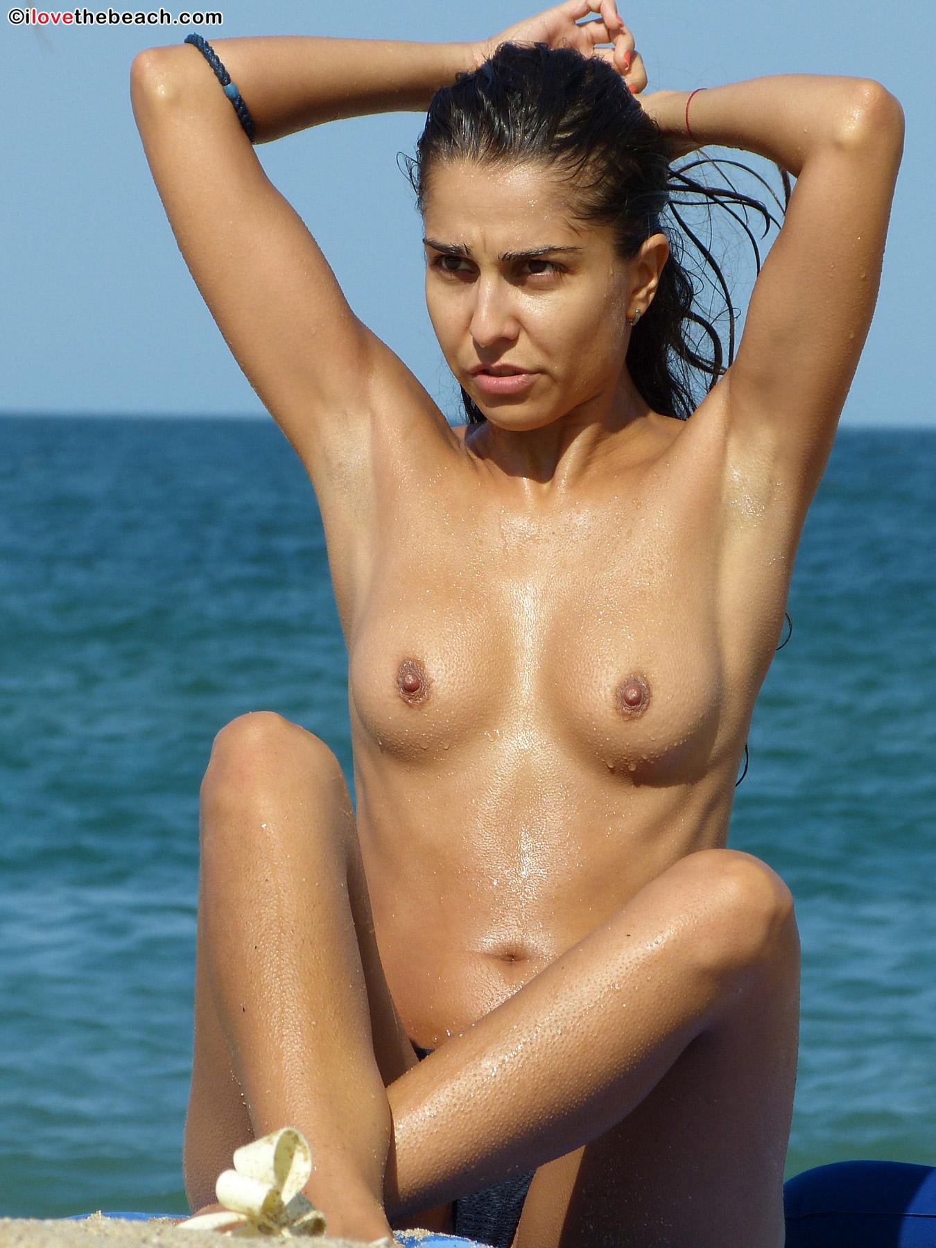 beach-nude-16