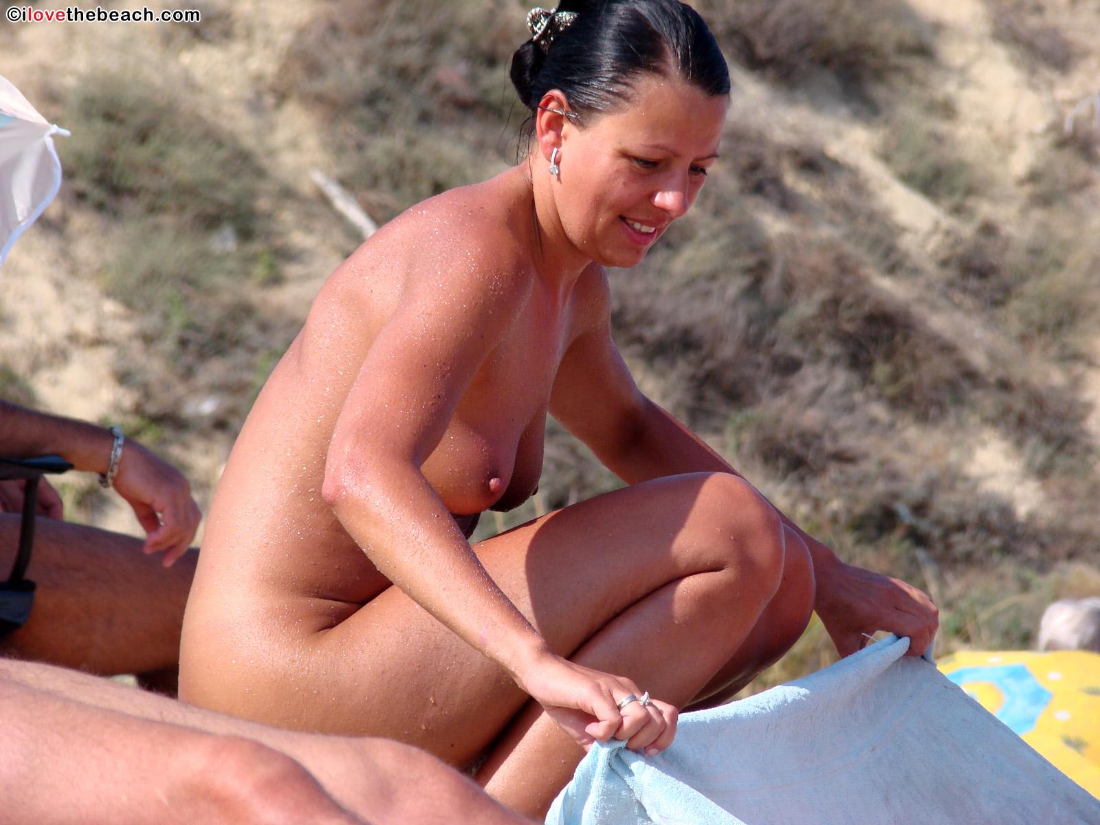 beach-nude-19