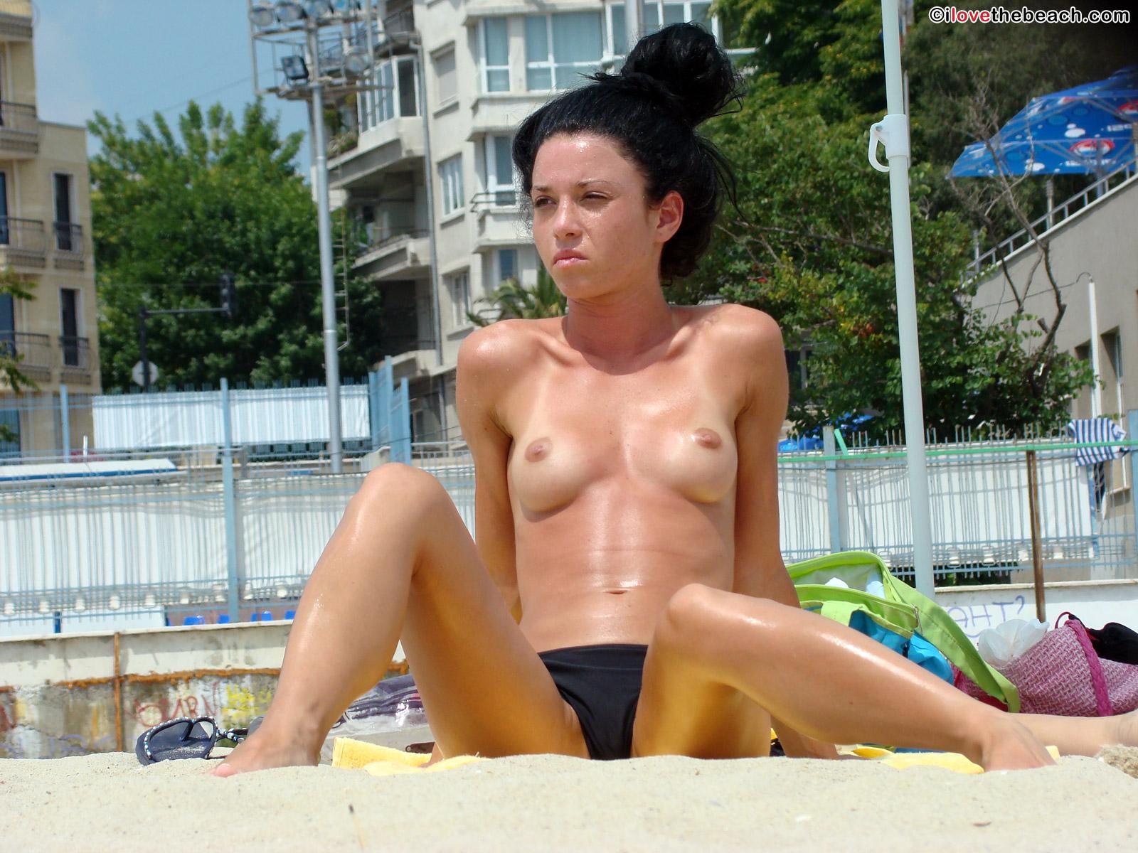 beach-nude-3