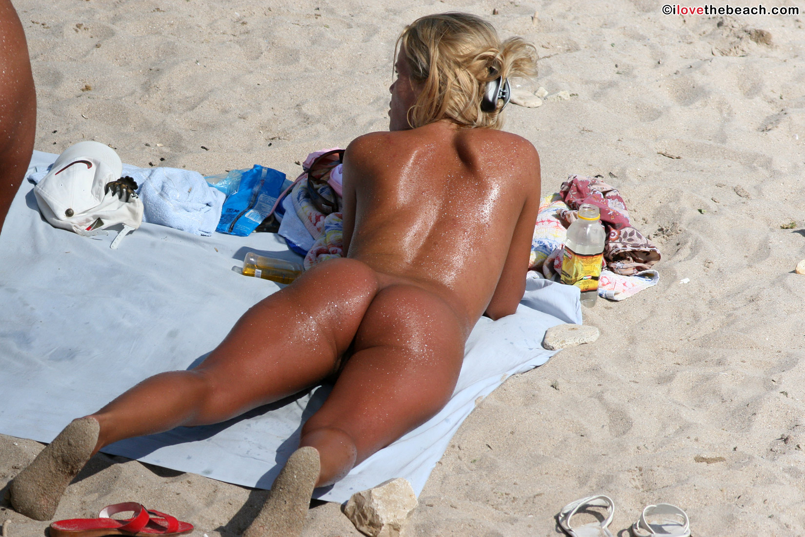 beach-nude-8