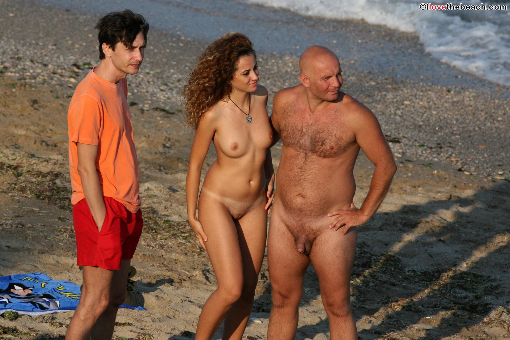 beach-nude-9