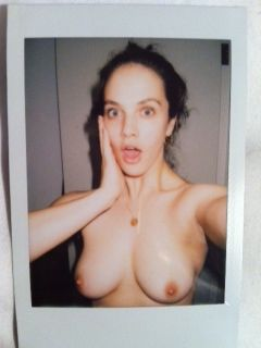 jessica-brown-findlay-leaked-nudes-04