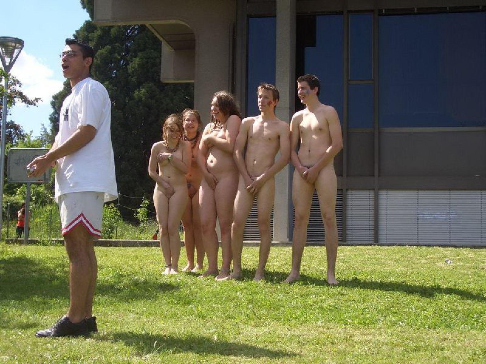 Naked Teens Girls Public Places - Voyeurpapa-7927