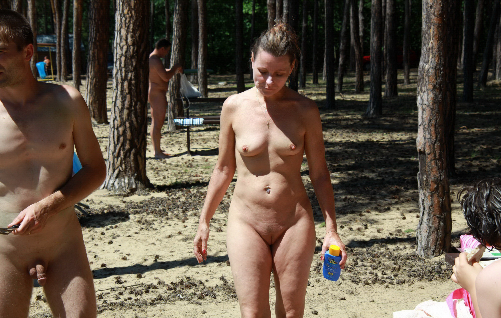 Lunch?? junior girl nudist video bombs