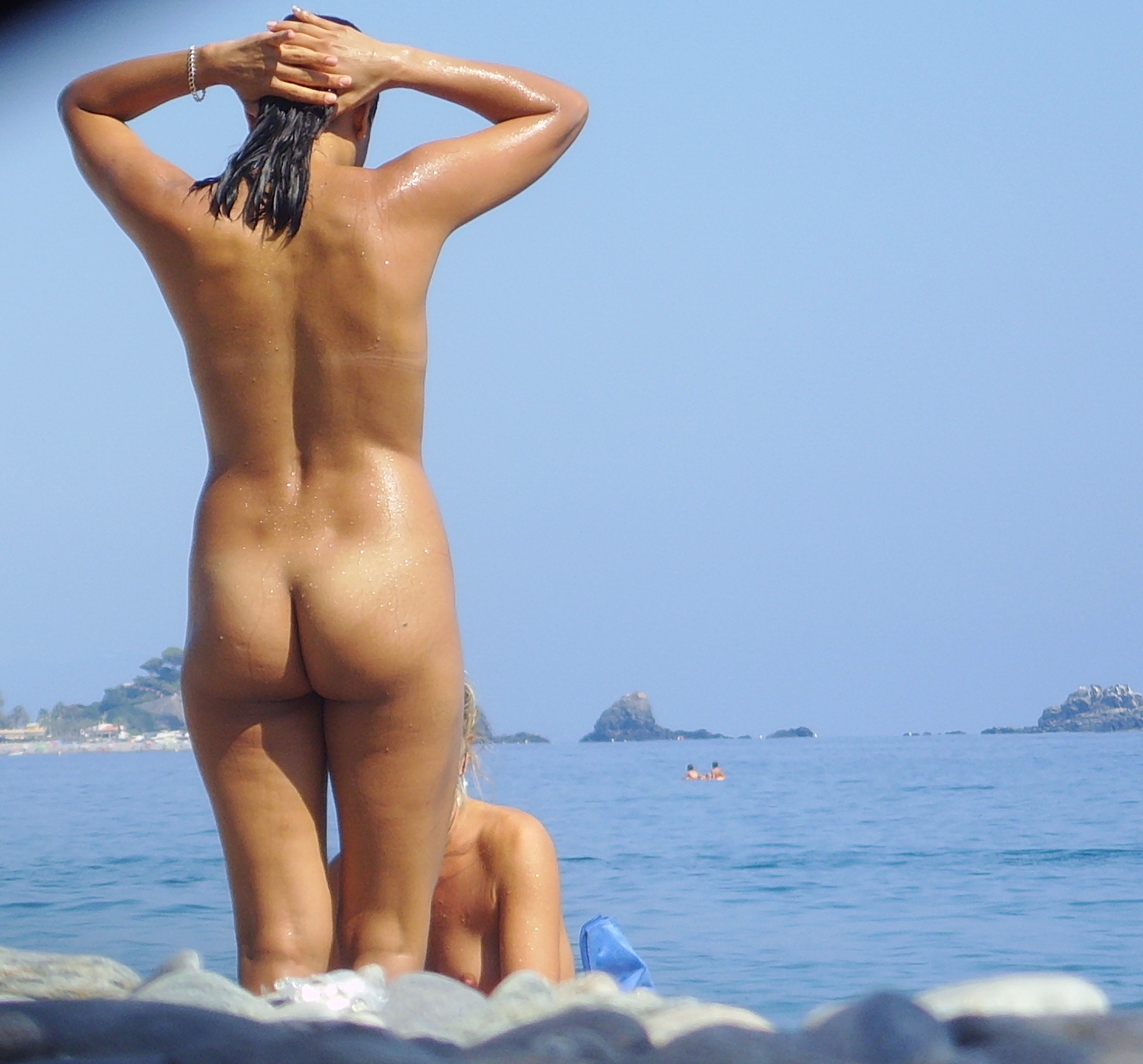 https://voyeurpapa.com/wp-content/uploads/2016/12/Nudists-family-nude-beach-55.jpg