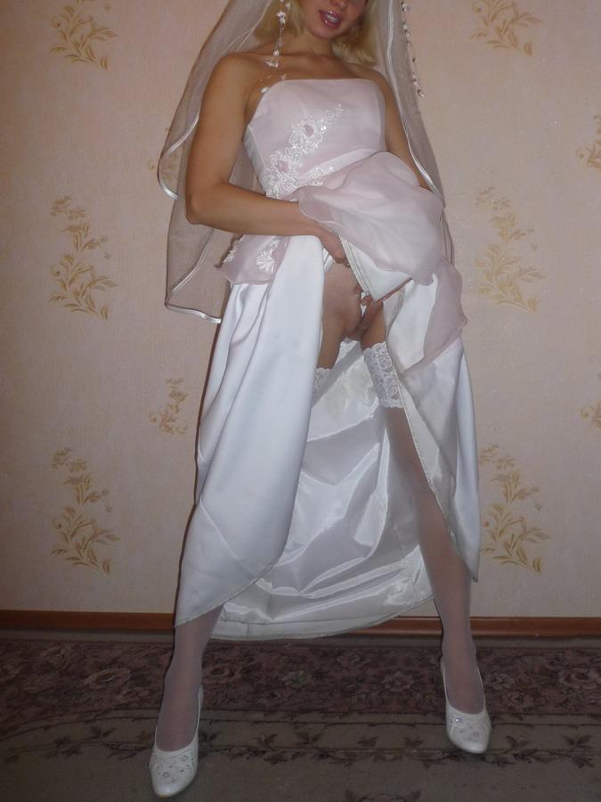 https://voyeurpapa.com/wp-content/uploads/2016/12/Wedding-skandall-SEXY-and-NUDE-522.jpg