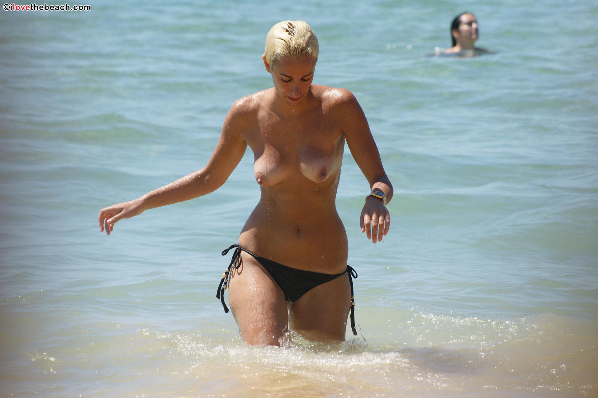 beach-nude-pics-1