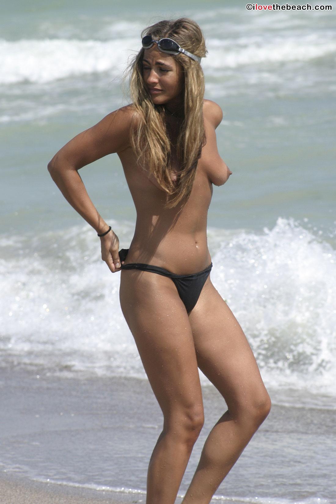 beach-nude-pics-3