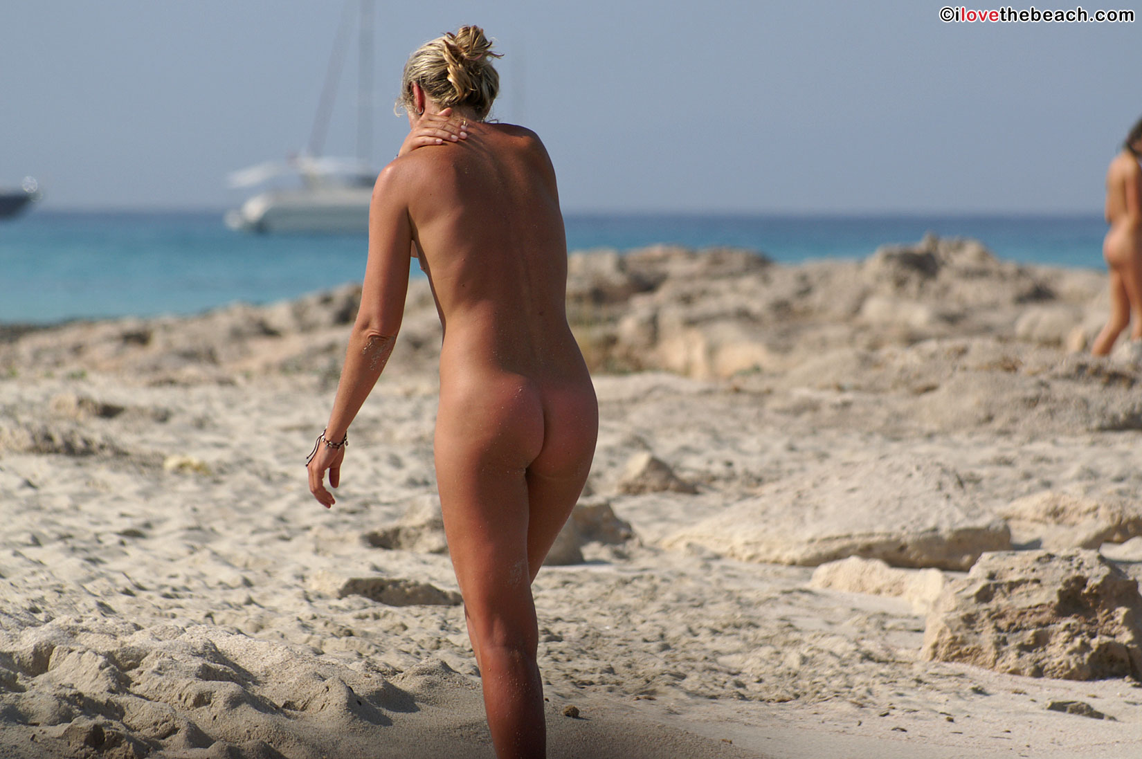 beach-nude-pics-4