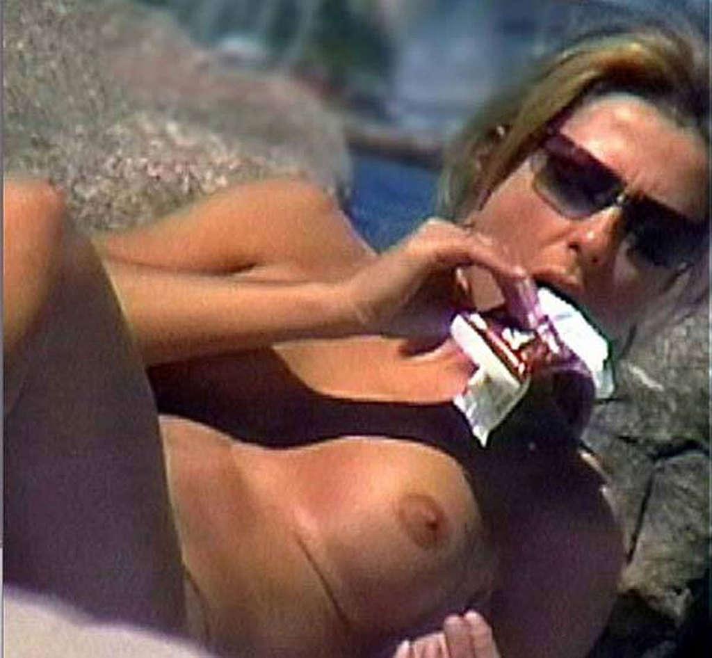 Topic Nude jennifer aniston
