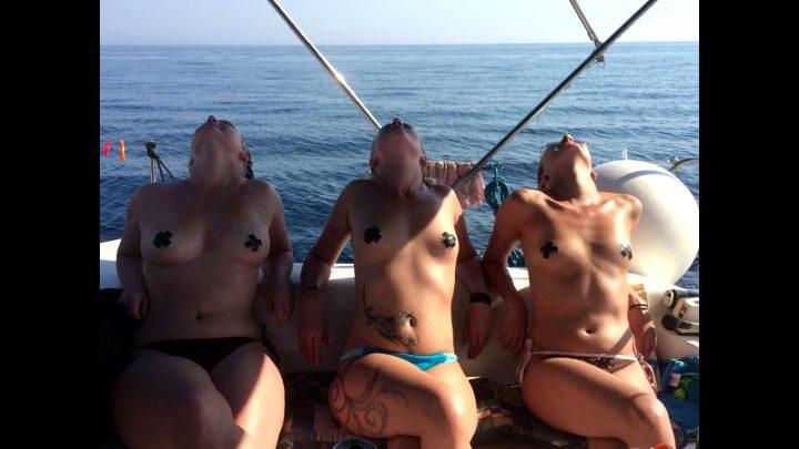 WIFE-Nude in Public