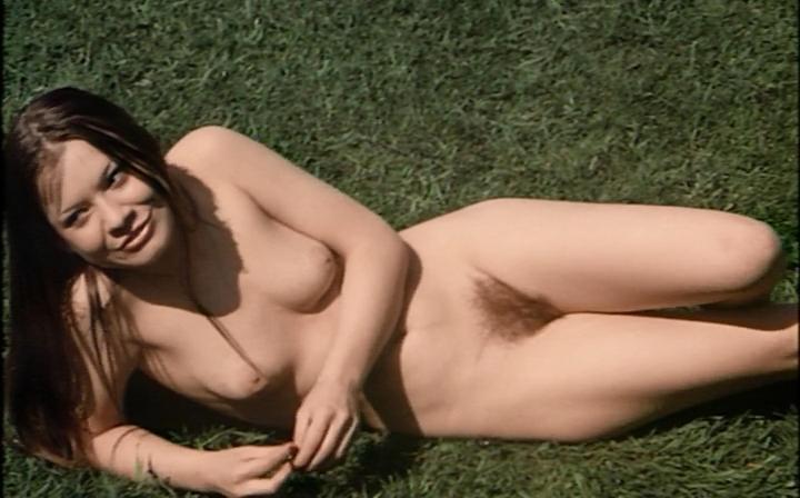 Marina Blümel  nackt