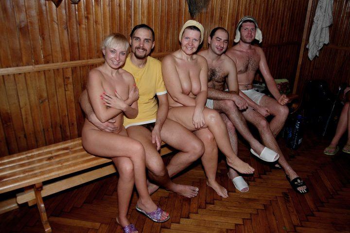 Нудисты в бане  фото и видео