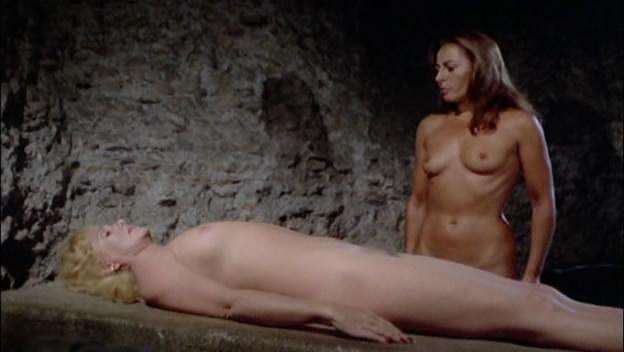 Mariangela Giordano  nackt