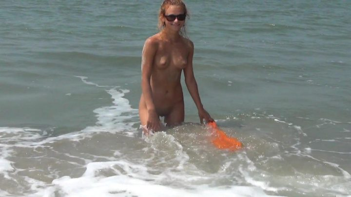 Exhibitionists & Nude In Public