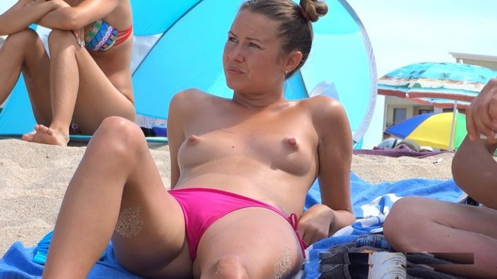 I LOVE THE BEACH NUDISM