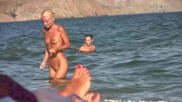 Nude Beach 4u 1