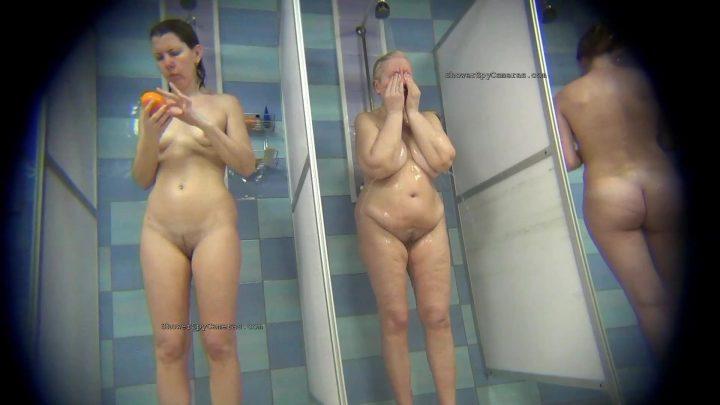 Hidden Camera Public Shower 275-282