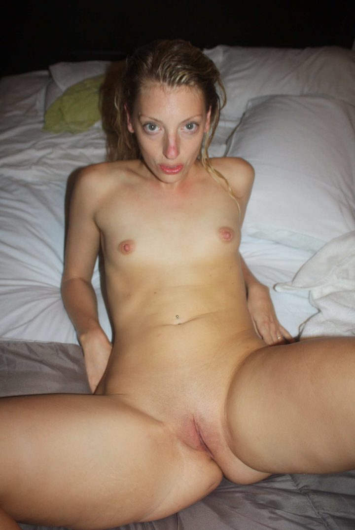 Sexy American Ginger Amateur Girl Home Made Nudes