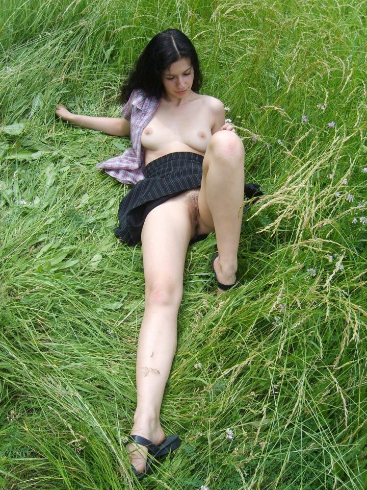 Amateur pics of naked girls and other explicit hotties
